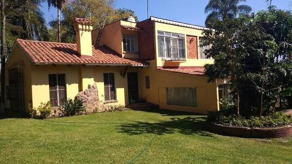 Casa En Venta, Excelente Ubicación.