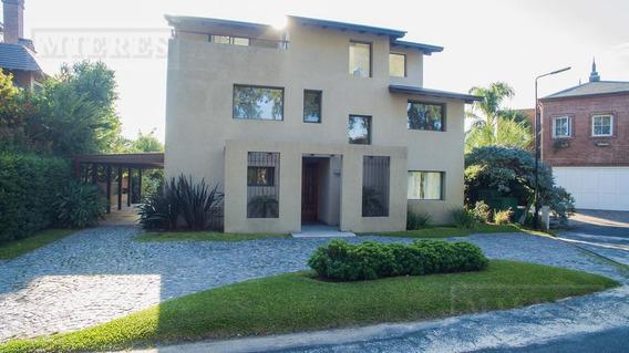 Muy Linda Casa En Alquiler/venta En Marina Del Sol.