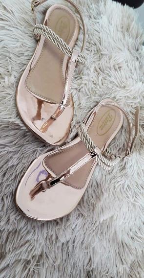 Sandálias Da Moda. Com Ótima Qualidade E Um Preço Ótimo.