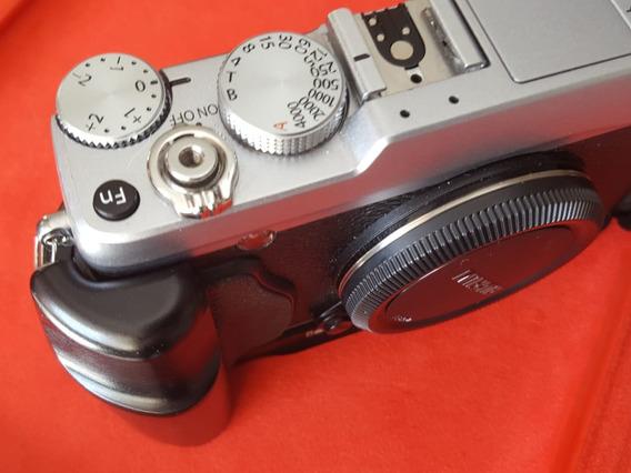 Camera Fuji Xe1 Com Grip.(somente O Corpo)