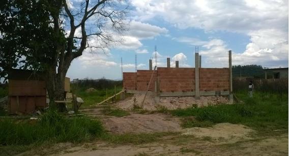 Vendo Uma Casa Em Início De Construção