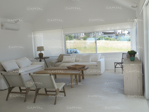 Imagen 1 de 30 de Casa De Cinco Dormitorios En Jose Ignacio - Barrio Privado Pinar Del Faro- Ref: 26524