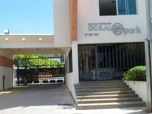 Townhouse En Venta Trigal Norte Valencia 20-4540 Ez