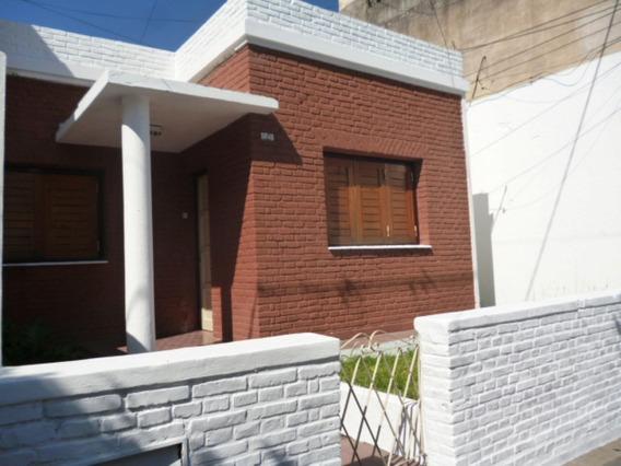 Alquiler Casa 3 Dormitorios C/ Patio En Barrio San Martin
