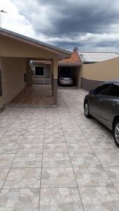 Casa Para Locação Com Amplo Espaço De Terreno Em Um Ótima Localização, Semi Mobiliada - Lo0031