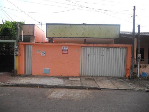 Casa Com 4 Quartos, Suítes, Quintal, Garagem