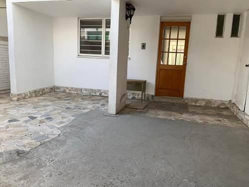 Casa Sola En Fraccionamiento 5 Recámaras Coyoacan