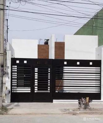 Casa En Venta Al Sur Fracc Casa Blanca Remodelada