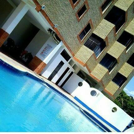 Sky Group Vende Apartamento En Tucacas, Doral Suites.