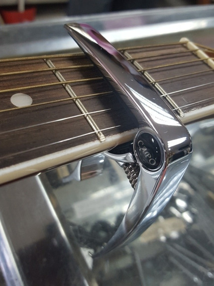 Capotraste Para Guitarra Y Cuatro