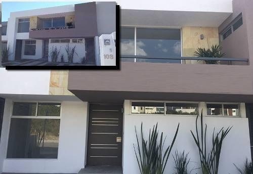 Lujosa Residencia En Lomas De Juriquilla, 3 Recámaras, Cto Serv, Estudio, Jardín