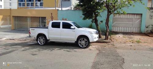 Toyota Hilux 2014 2.7 Srv Cab. Dupla 4x4 Flex Aut. 4p
