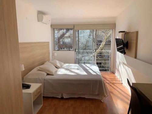 Alquiler, Pocitos, Mono Ambiente Amueblado, Gastos Bajos