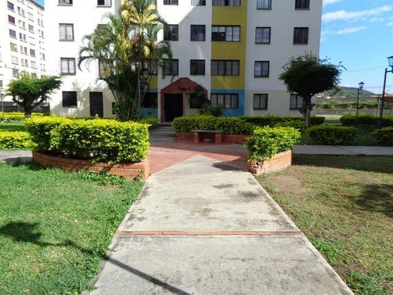 Apartamento En Alquiler La Pastorena 20-6253 Kcu