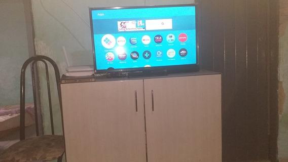 Uma Tv De 32 Polegadas Smart Nova