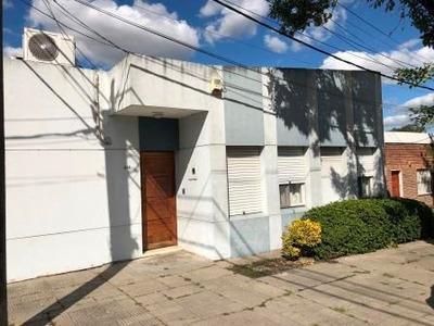 Casa 3 Dorm, 2 Baños, 2 Cocheras, Barbacoa, Piscina