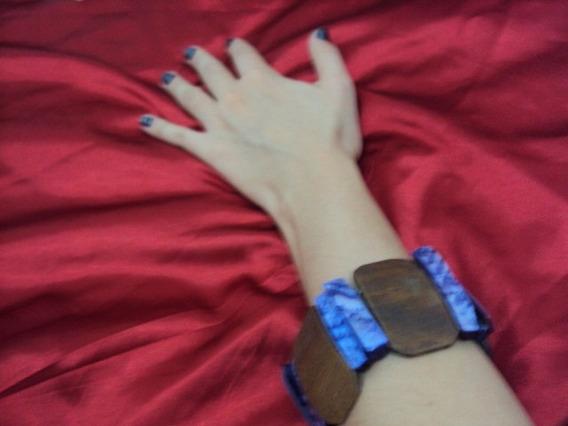 Pulseira Bracelete Madeira E Madrepérolas Lilás Com Elástico