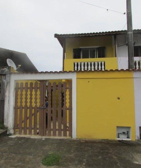 Sobrado 02 Dormitórios, 300 Metros Da Pista (1350)