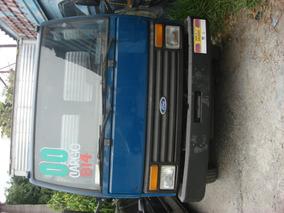 Ford Cargo 814 - Azul