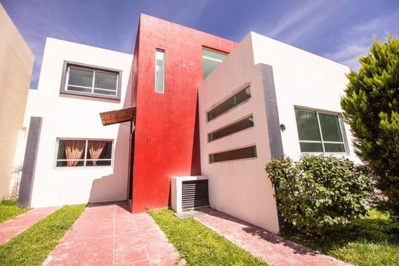 Casa En Venta En Jardines Del Valle, Zapopan