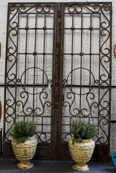 Portão/porta/grade Antigo De Ferro Forjado Duas Folhas
