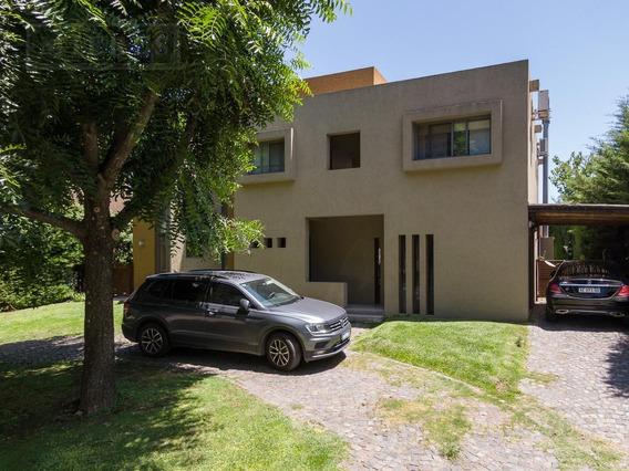 Excelente Casa En Venta En Santa Maria De Los Olivos