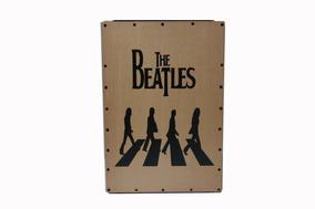 Cajón Reto Acústico-estampa Beatles - Marca Spilge