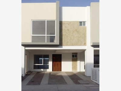 Casa Sola En Renta Fraccionamiento Zakia