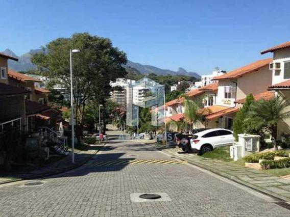 Casa Duplex, 3 Quartos, 3 Suítes, Dependência Completa, 2 Vagas, Condomínio Pechincha - Abcn30001