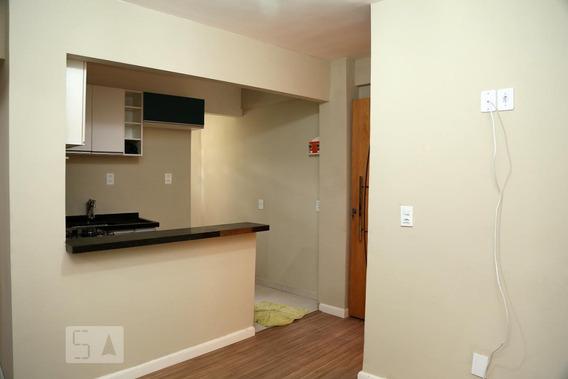 Apartamento Para Aluguel - Parque Pinheiros, 2 Quartos, 35 - 892998349