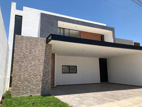 Casa En Venta, Amplio Terreno, A 5 Min De Plaza Altabrisa, Cholul, Mérida, Yucatán