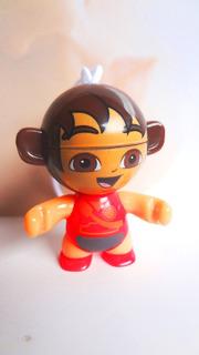 Figura De Huevo Kinder De Dora Vestido Rojo