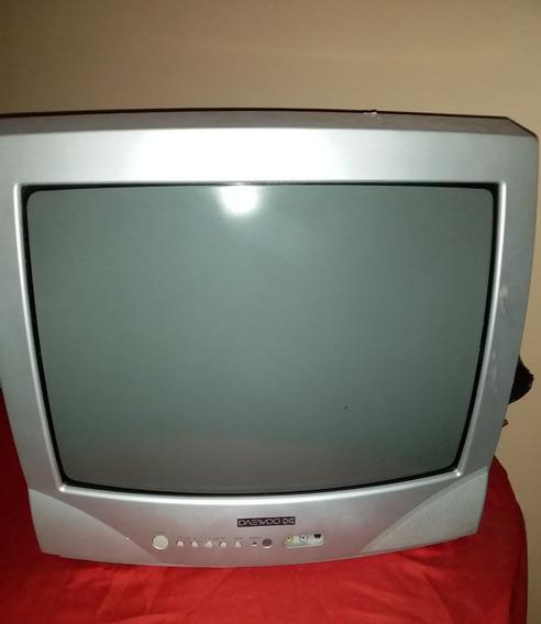 Televisor De 19 Pulgadas En Perfectas Condiciones Con Contro