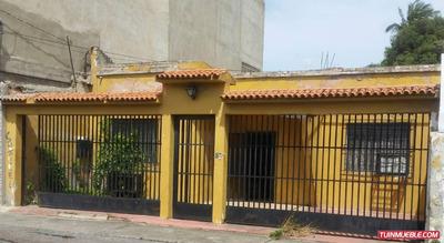 En El Centro De Barquisimeto, Casa-terreno, Calle 45