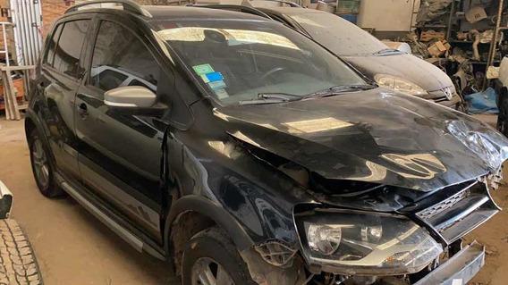 Volkswagen Cross Fox Trendline 1.6 Chocado El Frente