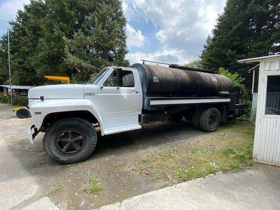 Camion Petrolizadora Ford, Cap. 8,000 Lts