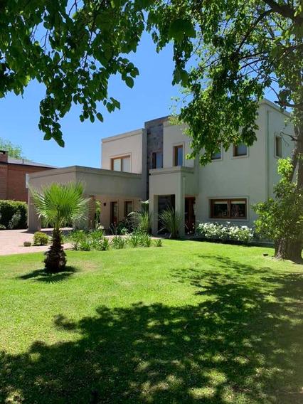 Dueño Vende Casa En La Peregrina Por Viaje 450 M2