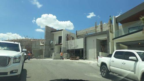 Casa En Fraccionamiento Privado, Nueva, Hermosa Vista, Con Balcón Y Terraza Con Vista Panorámica.