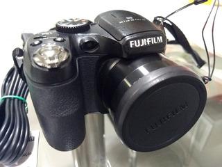 Câmera Digital Fujifilm Finepix S1800