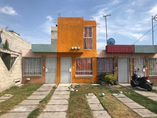 Casa En Venta En Héroes Tecamac, Secc. Jardines