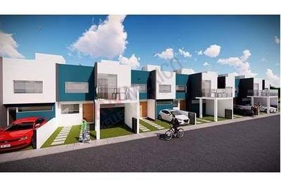Casa En Preventa En Santuarios, Corregidora, Qro