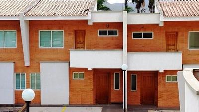 Lpu Townhouse De Revista En Piedra Pintada