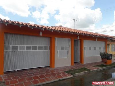 Bella Y Moderna Casa En El Conjunto Residencial Los Lirios