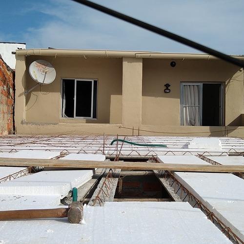 Imagem 1 de 2 de Construções E Reformas E Servico Em Geral