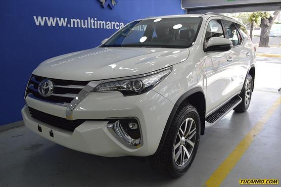 Toyota Fortuner Titanium-multimarca