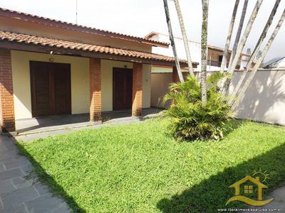 Casa No Bairro Centro Em Peruíbe - Lcc-2286