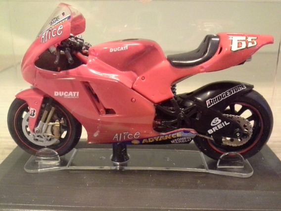 Miniatura Ducati Loris Capirossi 2006 Italeri 1:22 (9,5 Cm)
