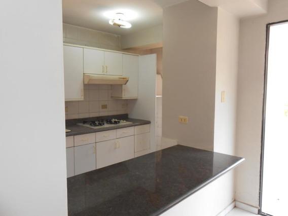 Apartamento En Venta La Trigaleña, Valencia Cod 20-10221 Ddr