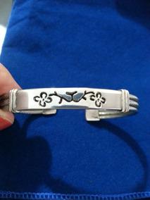 Bracelete De Aço Com Detalhes Em Prata