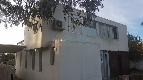 Casa En Pinares- Ref: 6031
